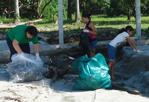 a- beach clean 1a