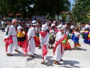 Guanacaste Day dancing